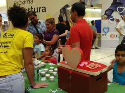 El Ayuntamiento de Sevilla, Lipasam y Ecoembes inician una campaña para reducir el CO2 a través del reciclaje