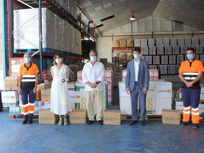 Lipasam hace entrega a la Fundación Banco de Alimentos de Sevilla de 2.340 kilos de alimentos aportados por los trabajadores de la empresa municipal de la limpieza